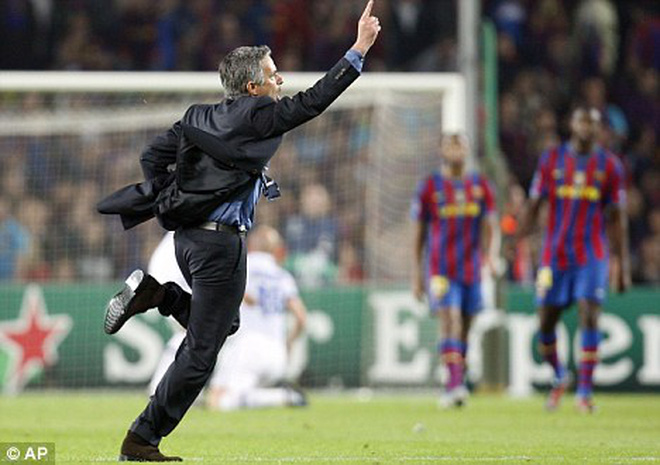 Jose Mourinho sẽ không chạy 100 mét tại Old Trafford