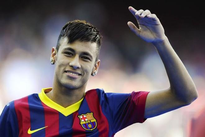 Góc độc giả: Neymar – Con nai vàng hay bác thợ săn?