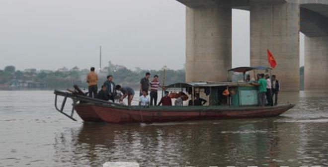Vớt xác trên sông Hồng: 'Có vụ hơn 2 tháng mới tìm thấy thi thể'