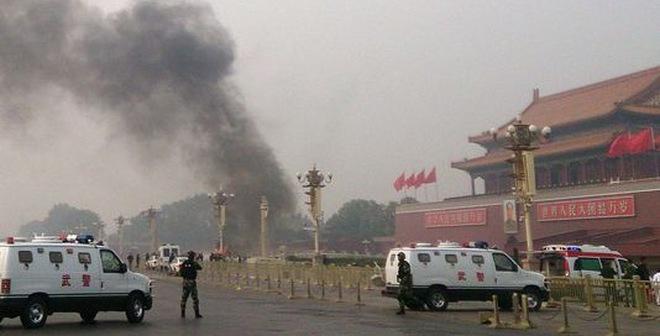 Sau vụ Thiên An Môn: Tư lệnh Quân khu Tân Cương bị kỷ luật đảng