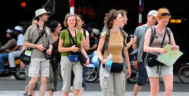 Năm điều người Anh thường gây khó chịu khi đi du lịch