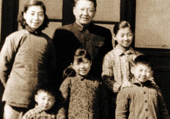 Đại gia đình ông Tập Cận Bình những ngày xa xưa