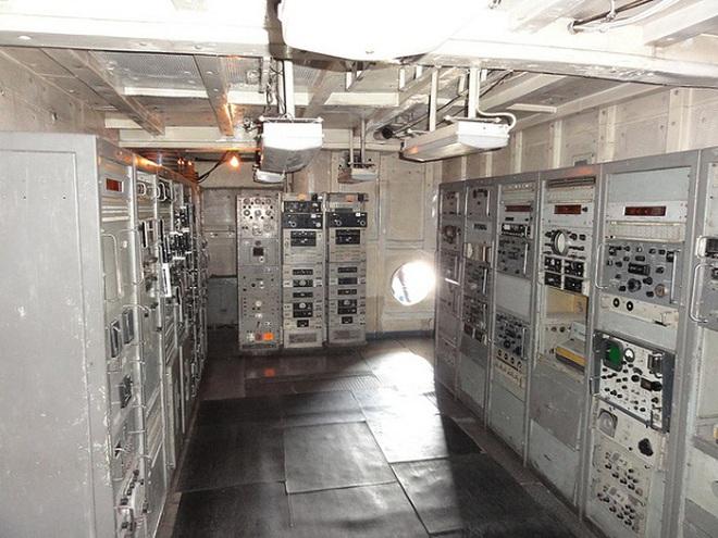 Cận cảnh tàu tình báo Mỹ bị Triều Tiên bắt giữ