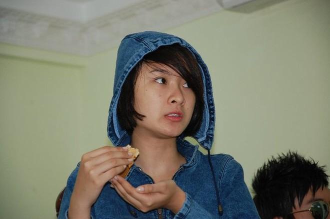 Bất ngờ với mặt mộc hàng loạt mỹ nhân làng giải trí Việt