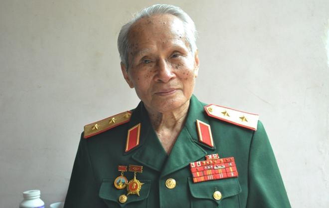 """""""Trừ những kẻ bán nước, còn ai cũng sẵn sàng bảo vệ Tổ quốc Việt Nam"""""""