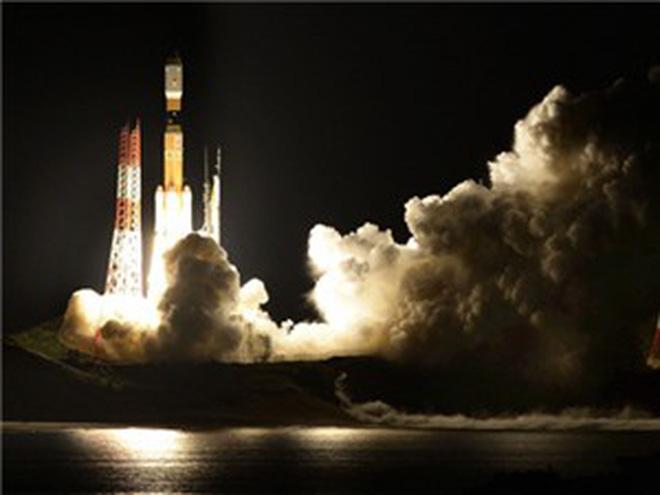 Clip: Việt Nam đưa vệ tinh lên vũ trụ