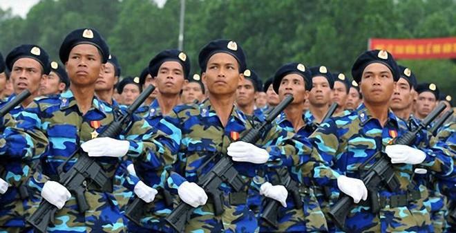 """Việt Nam sản xuất """"phiên bản Việt"""" của súng tiểu liên Mỹ?"""