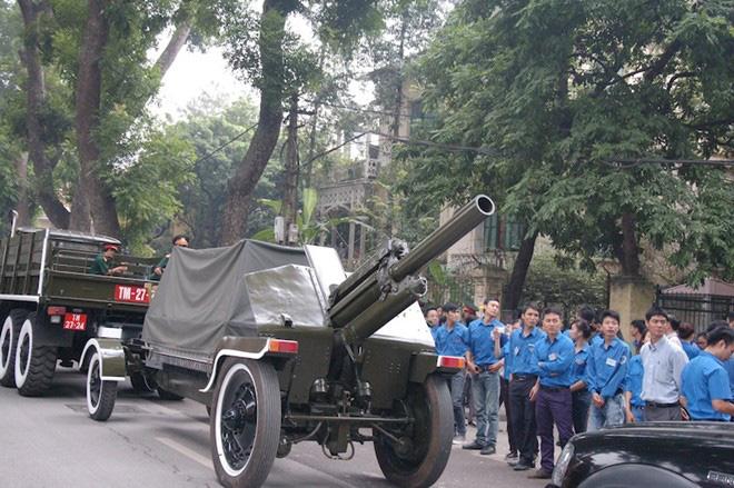 Đại pháo diễn tập lễ tang trước nhà Đại tướng