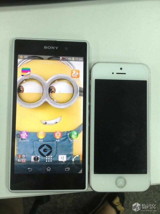 """Xuất hiện hình ảnh Sony Honami """"đọ dáng"""" bên iPhone"""