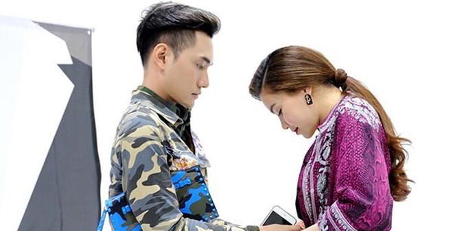 Hồ Ngọc Hà được trai trẻ sửa váy trong hậu trường