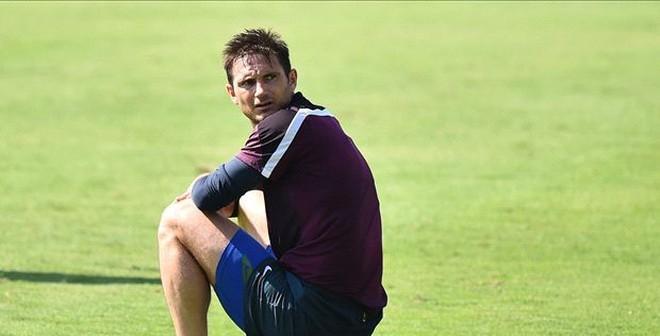 Tin chuyển nhượng: Wenger chọc ngoáy vụ Lampard và Man City