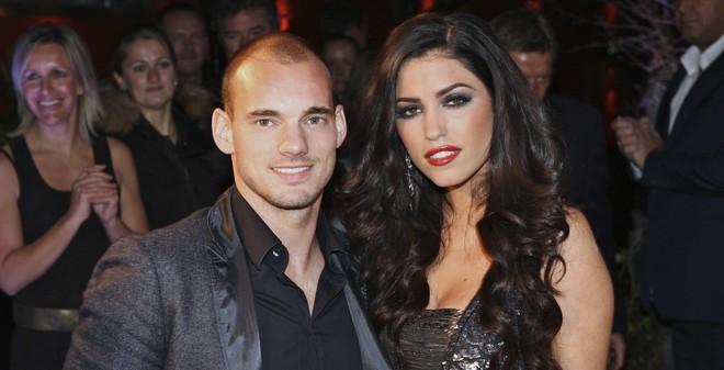Vợ chồng Sneijder bị nghi buôn... ma túy
