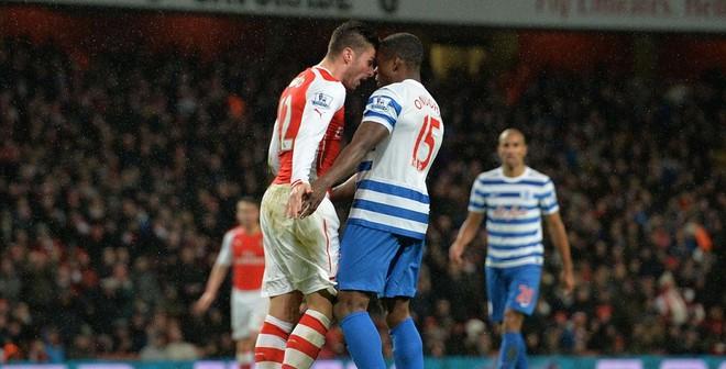 """Wenger """"lộn ruột"""" vì sự ngu ngốc của học trò"""