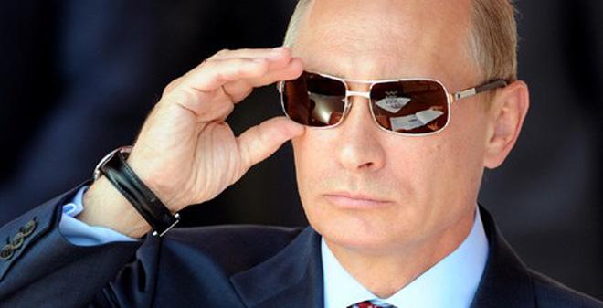 Vì sao Putin không cần dùng đến súng ống với Ukraine?