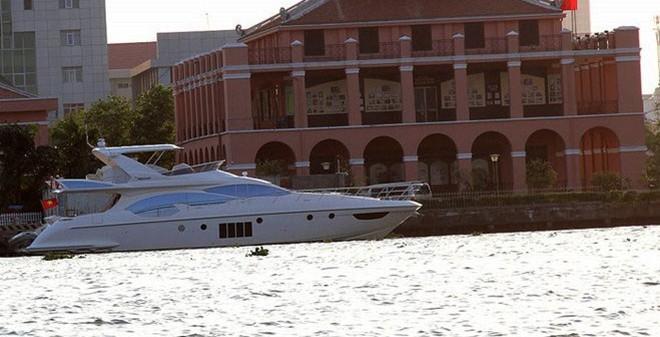 Siêu du thuyền giá gần 100 tỷ của nhà chồng Hà Tăng