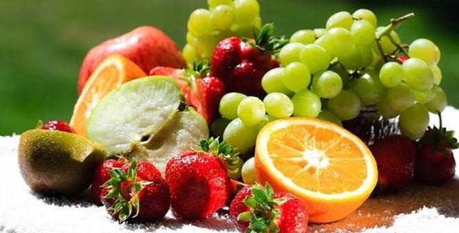 Mẹo hữu dụng giúp rửa trôi tối đa hóa chất trong hoa quả