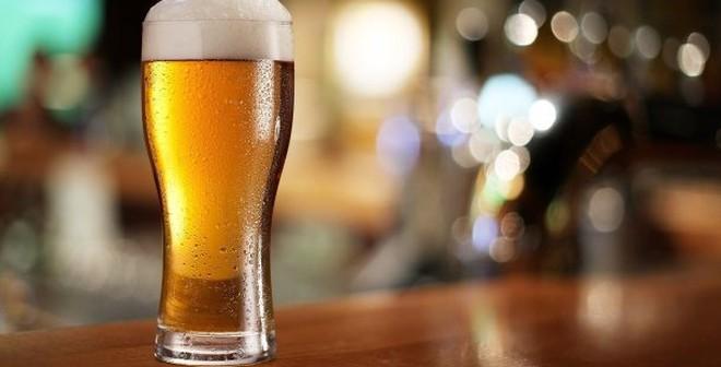 4 sai lầm khi uống bia gây hạị nghiêm trọng đàn ông Việt hay mắc