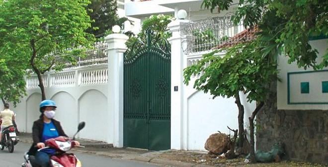 Biệt thự đội lốt lô cốt ở khu nhà giàu Sài Gòn