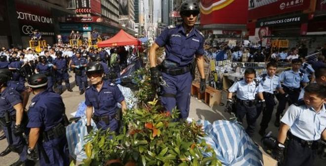 Cảnh sát Hồng Kông bắt giữ thủ lĩnh biểu tình Joshua Wong