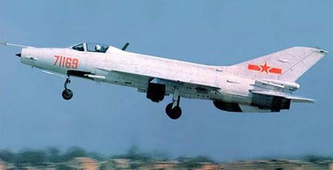 """Albania lại """"phải vạ"""" vì vũ khí Trung Quốc"""