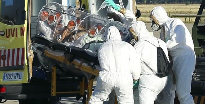 Bệnh nhân châu Âu đầu tiên nhiễm virus Ebola đã qua đời