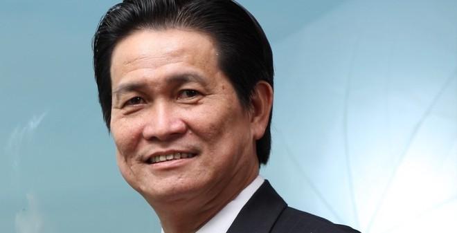Đại gia Việt: Cất giữ 220 lít mồ hôi, tạc tượng vợ, nhịn ăn để tư duy