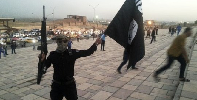 """Bí thế, Mỹ đành """"ngậm bồ hòn"""" giúp Syria tiêu diệt phiến quân IS"""