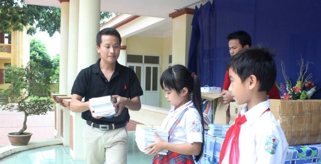 Soha.vn tặng gần 600 cuốn sách cho học sinh nghèo