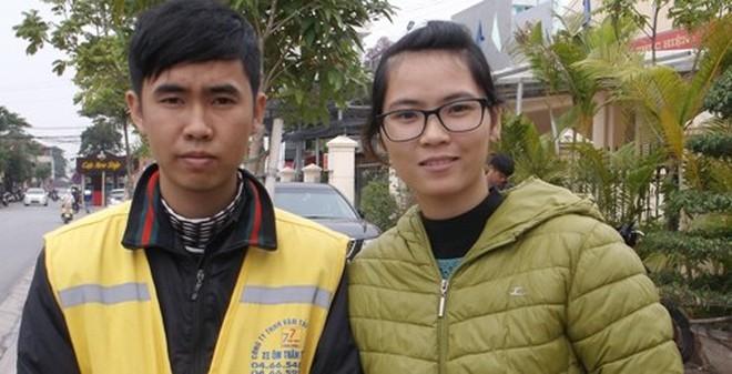 Hà Nội: Lái xe ôm trả lại iPhone 5 cho người đánh rơi