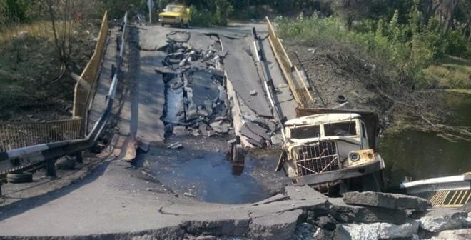 Ly khai Ukraine: Chính phủ nã rocket vào nhóm điều tra MH17