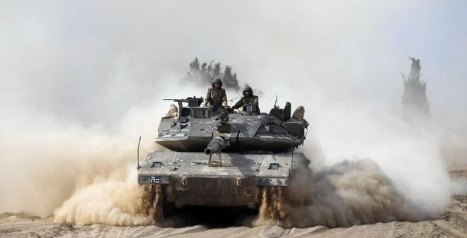 24h qua ảnh: Xe tăng Israel truy quét phần tử Hồi giáo cực đoan