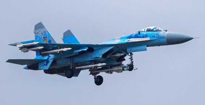 R-27 - Tên lửa đối không tầm trung lợi hại của Su-27 và Su-30 VN