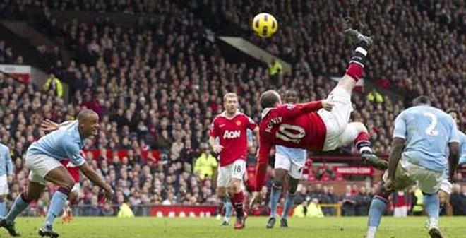 Man United vs Man City: Ước vọng Xe đạp chổng ngược!