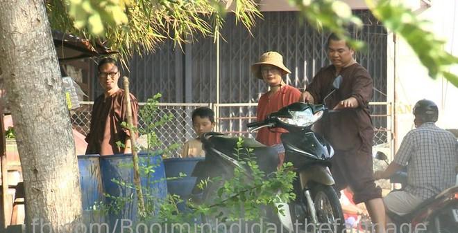 Hoàng Bách, Phan Anh rửa xe, bán bánh xèo kiếm tiền