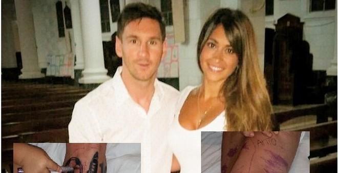 """Lộ hình xăm cực """"chất"""" của Messi"""