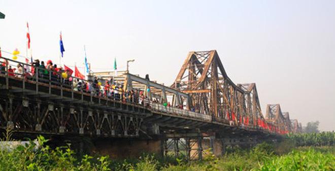 'Chỉ nên nâng cấp cầu Long Biên'