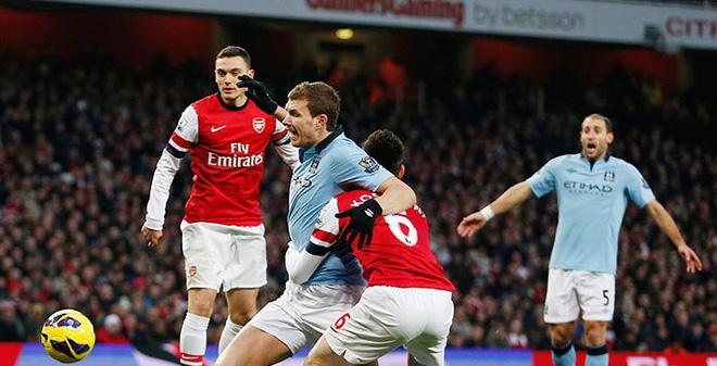 Arsenal vs Man City: Chuyện tình nửa đêm...
