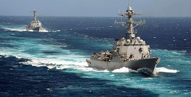 """Tàu Hy Lạp phát hiện """"núi mảnh vỡ và hành lý"""" ở Malacca"""