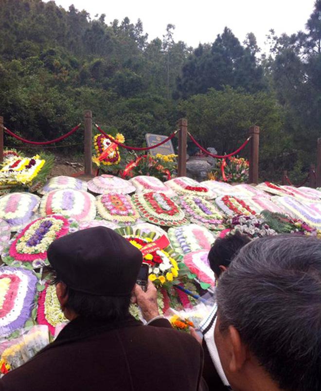 SLNA nghiêng mình viếng mộ Đại tướng Võ Nguyên Giáp