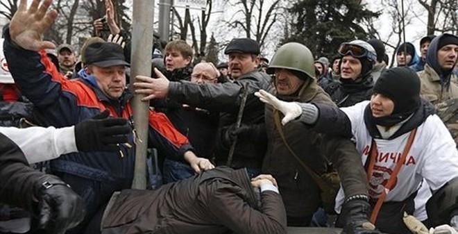 Ukraine: Cảnh sát, chính phủ cũ bị trả thù dã man
