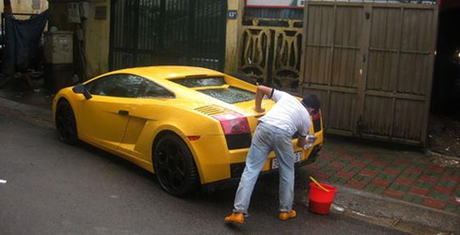 Có một phố chuyên rửa siêu xe tại Hà Nội