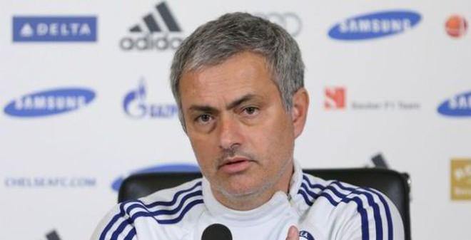 TIN VẮN TỐI 15/2: Mourinho đấu khẩu Wenger… cả ngày thứ Bảy
