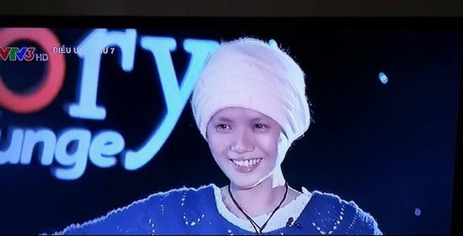 Câu chuyện cô gái Đà Nẵng xinh đẹp bị máu trắng khiến hàng triệu khán giả bật khóc