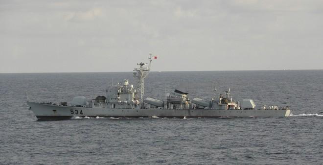 VIDEO: TQ điều tàu hộ vệ tên lửa tới khu vực giàn khoan HD-981
