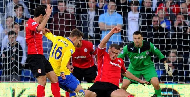 Arsenal vs Cardiff City: Đã hay lại còn hên!