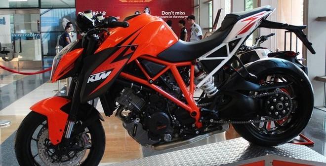 Diện kiến siêu motor KTM 1290 Super Duke R đầu tiên ở Việt Nam