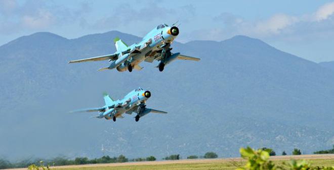 Trung đoàn Không quân 937 huấn luyện bay Su-22