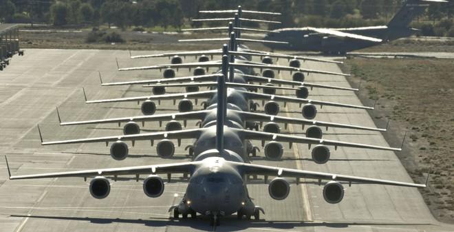 Phi đội máy bay vận tải chiến lược hùng hậu của Không quân Mỹ