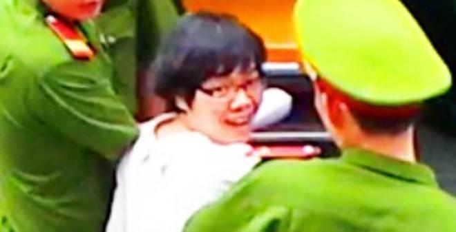 """Nụ cười bí ẩn của Huyền Như - """"siêu lừa"""" gần 4000 tỷ đồng"""