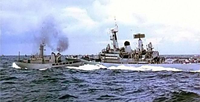 Những cuộc đụng độ khốc liệt trên biển giữa 2 đồng minh NATO